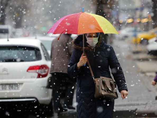 First snowfall of this year hits Ankara, Turkey