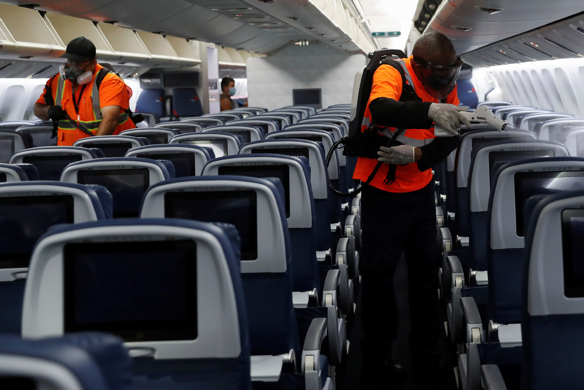 US airlines back Biden plan to legally mandate passenger facial coverings -- letter