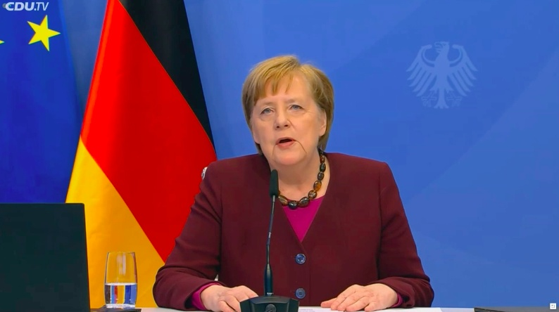 Merkel urges moderate leader on eve of key party chairman vote