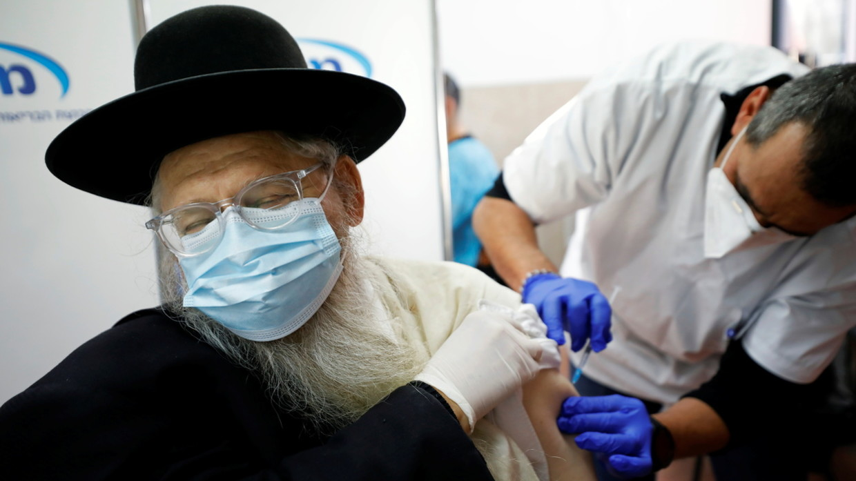 Chinese health experts call to suspend Pfizer's mRNA vaccine for elderly after Norwegian deaths