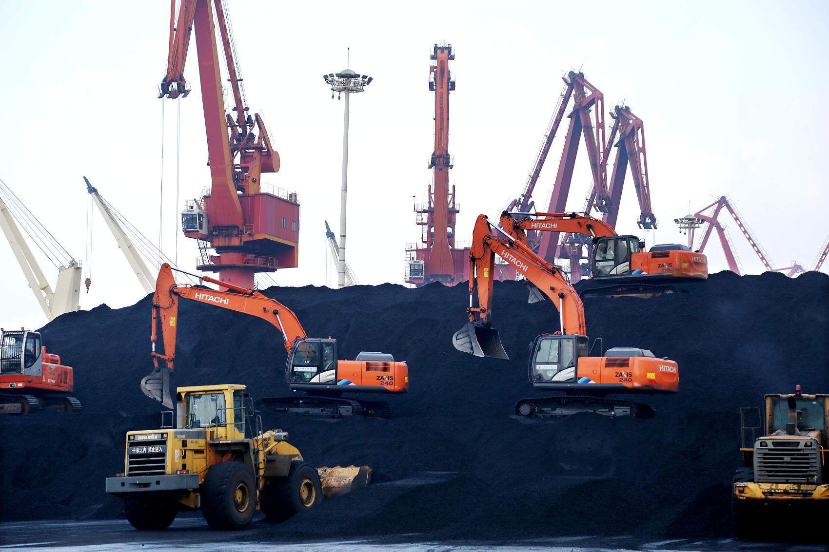 China's coal imports rebound in December as demand booms