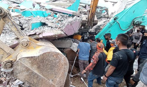 Death toll of Indonesia's earthquake climbs to 56