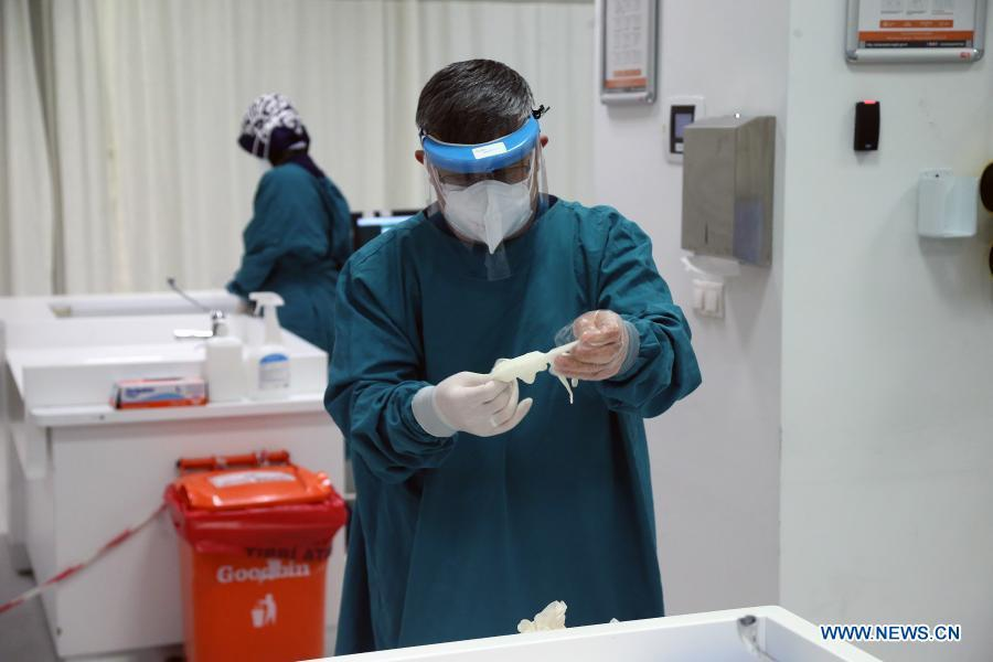 Over 675,000 health workers get COVID-19 jab in Turkey in 3 days