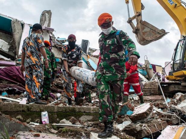 6.2 magnitude earthquake hits Indonesia's Mamuju, 56 people dead