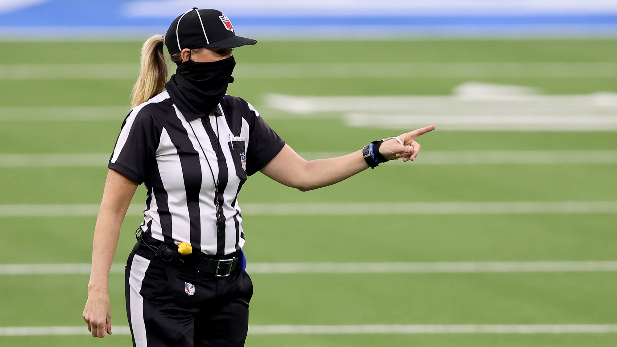 Thomas to become first woman official in Super Bowl history