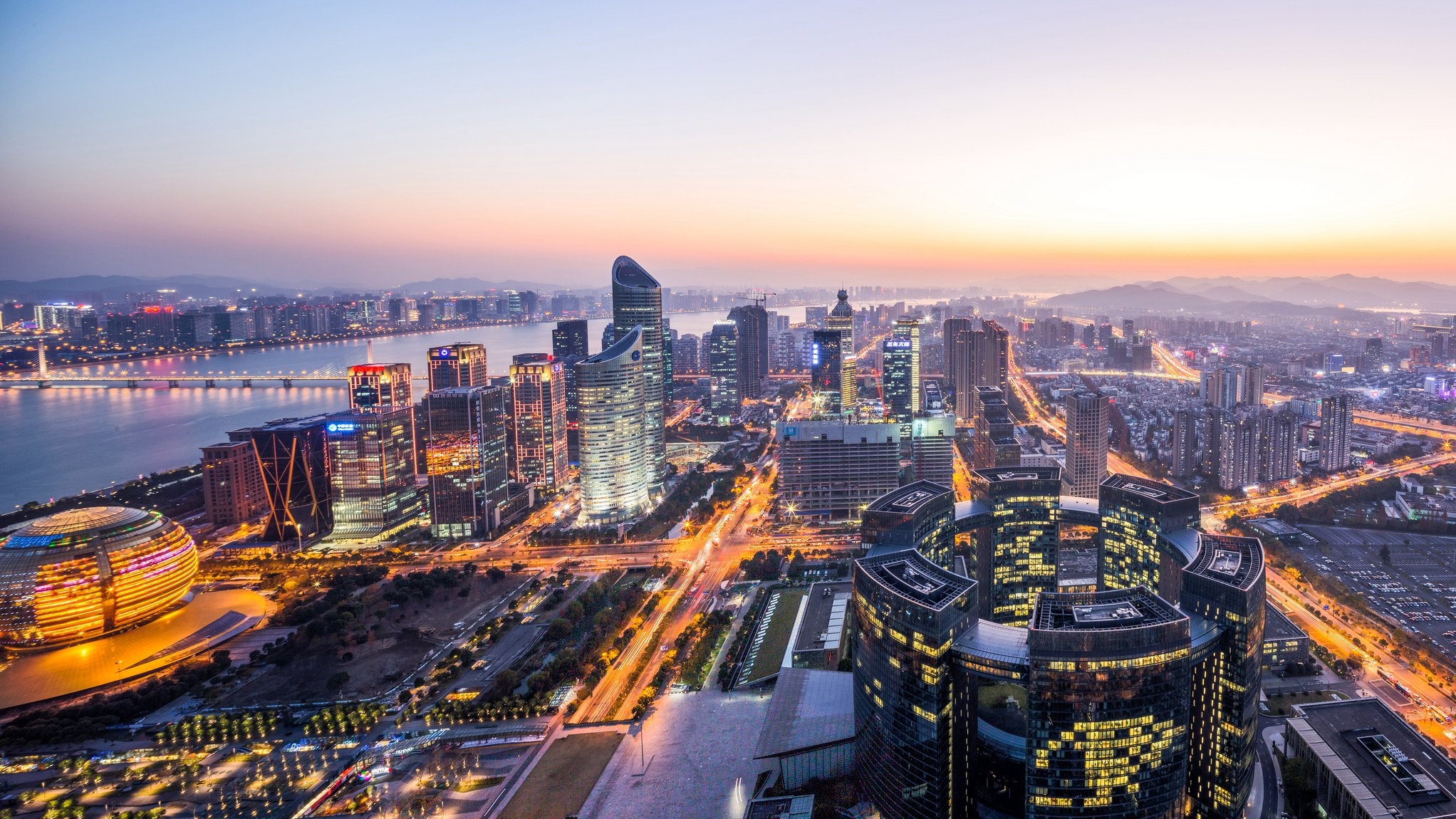 No mystery behind China's business climate improvement