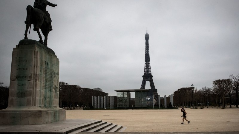 French business, employment climate slightly improves in January: INSEE