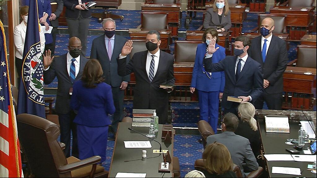 Democrats take control of US Senate as 3 new senators sworn in