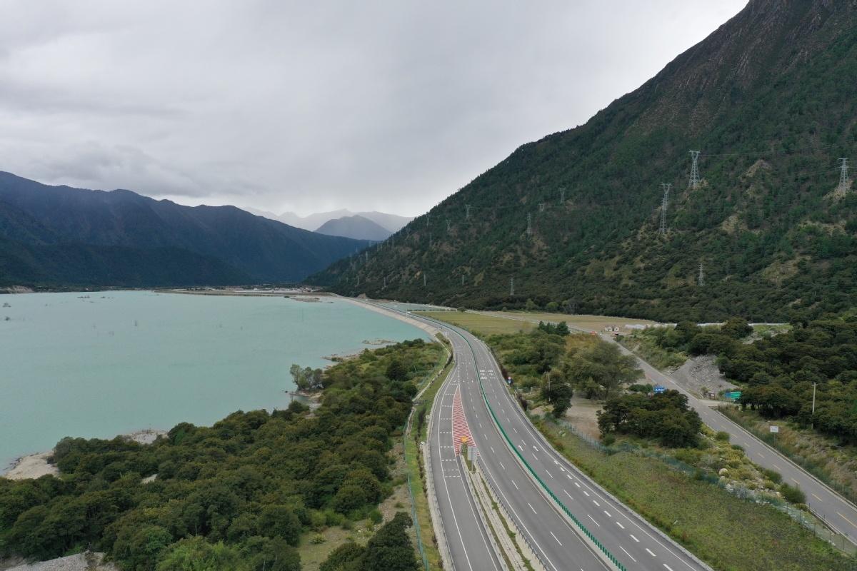 Tibet reports progress in infrastructure