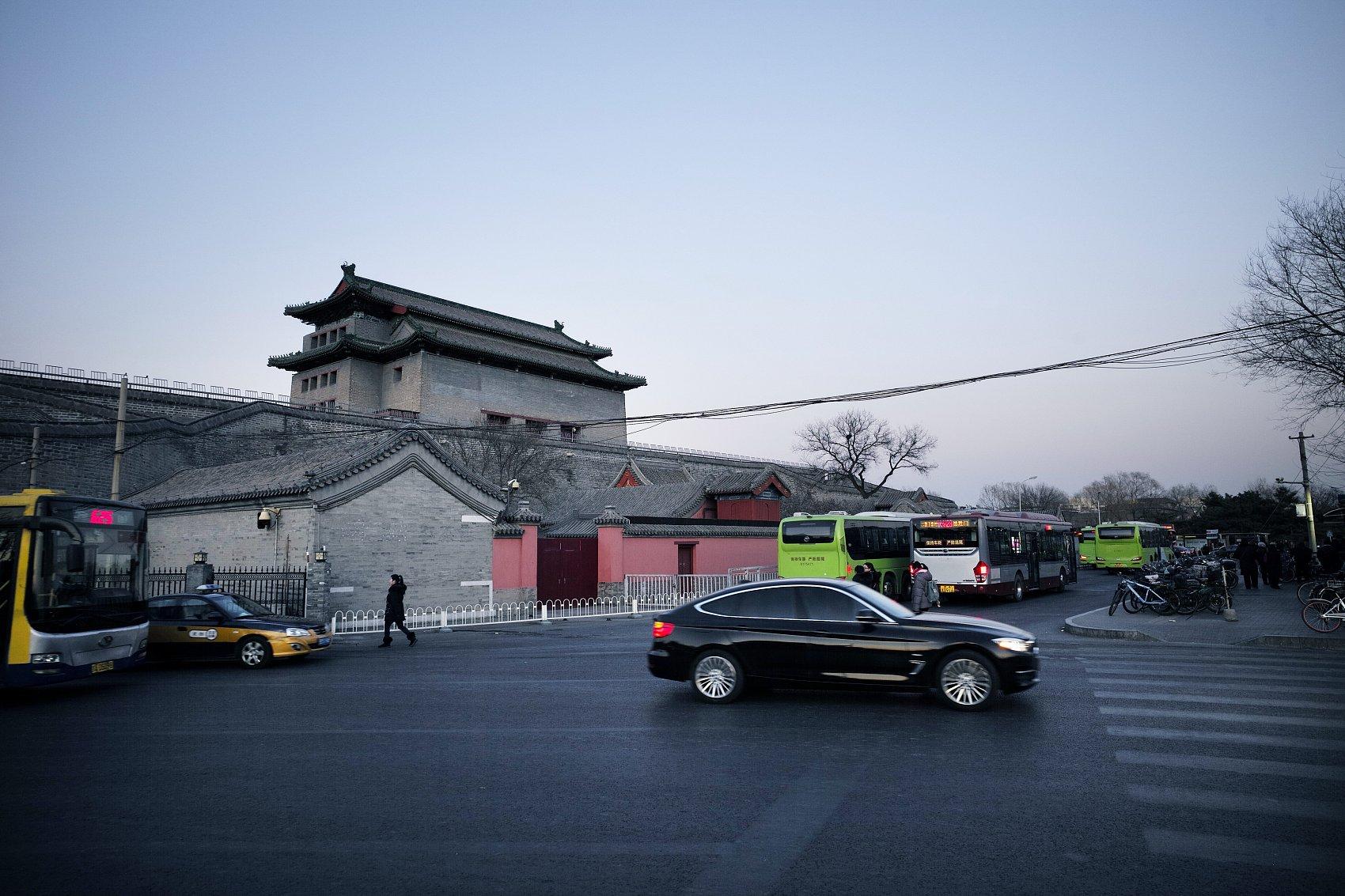 Beijing's PM2.5 density drops 53 pct over past half decade
