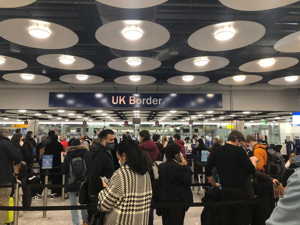 UK mulls hotel quarantine amid new coronavirus variant concerns
