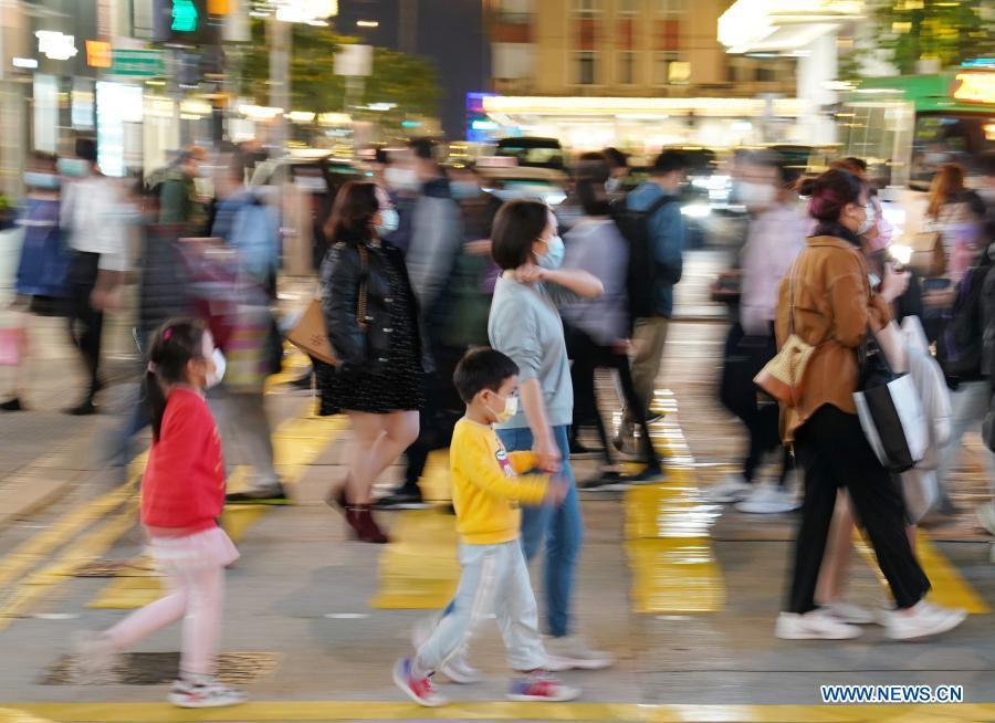Hong Kong reports 61 new COVID-19 cases, 9,928 in total