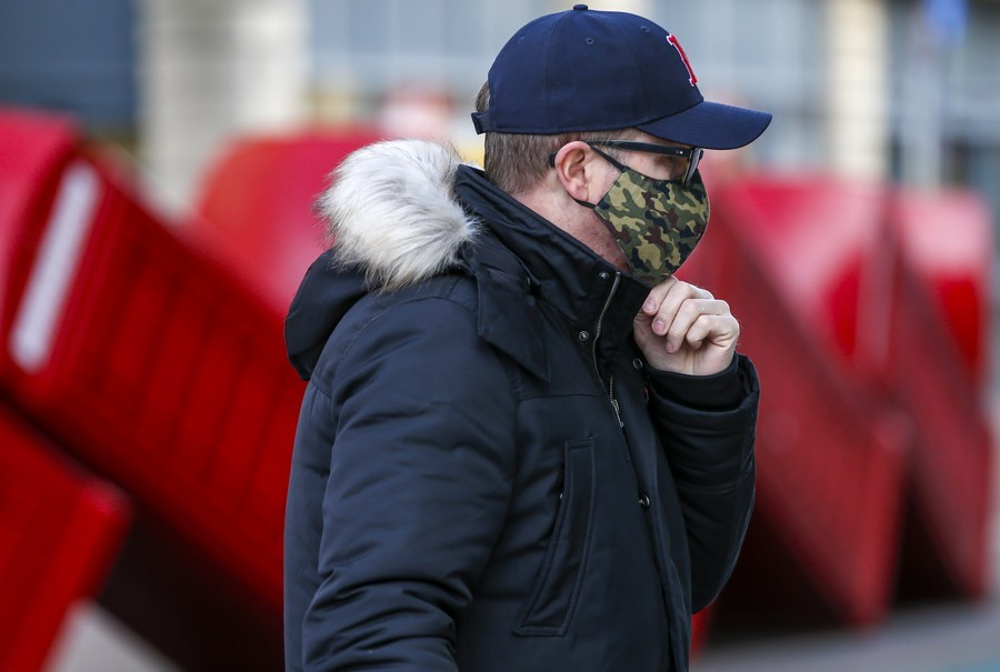 Londoners urged to wear masks in open air to curb COVID-19 spread
