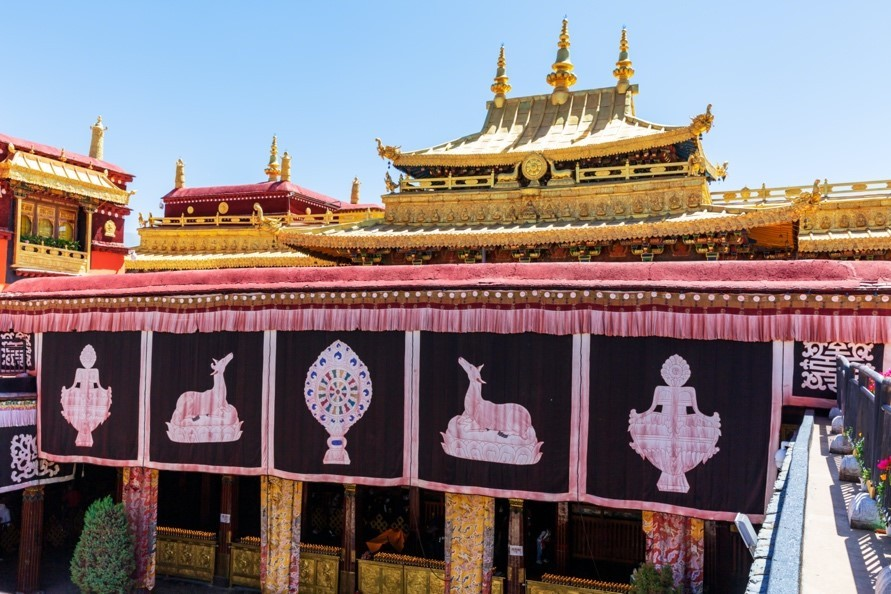 Tourism drives cultural and creative industries in SW China's Tibet