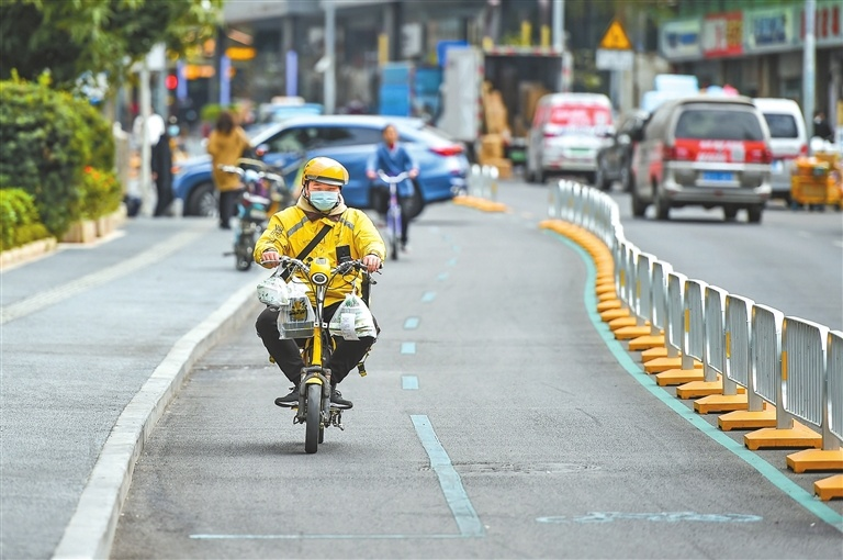 Lanes dedicated to nonmotor vehicles introduced in city
