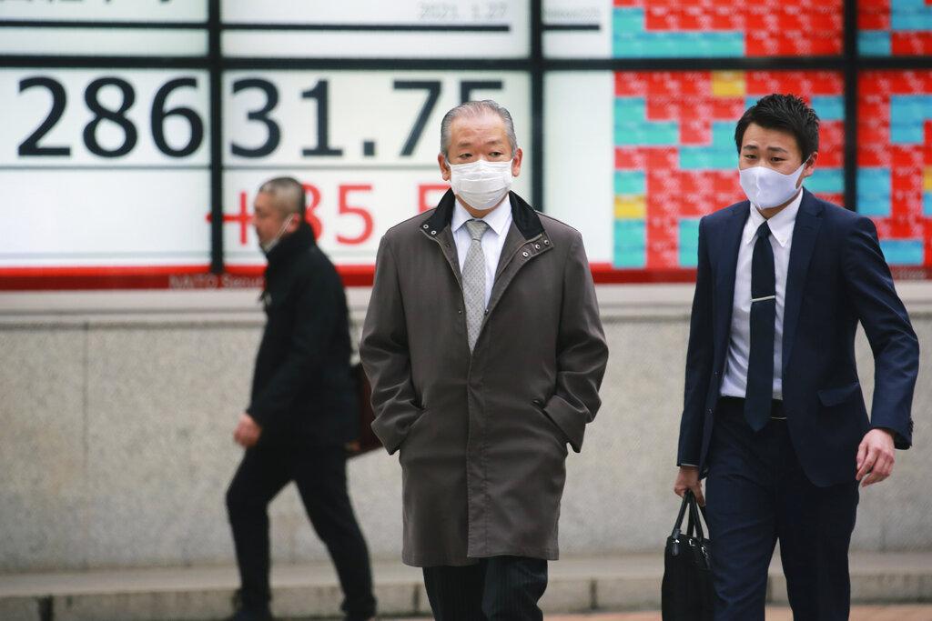 Tokyo stocks close sharply lower on Wall Street's dive