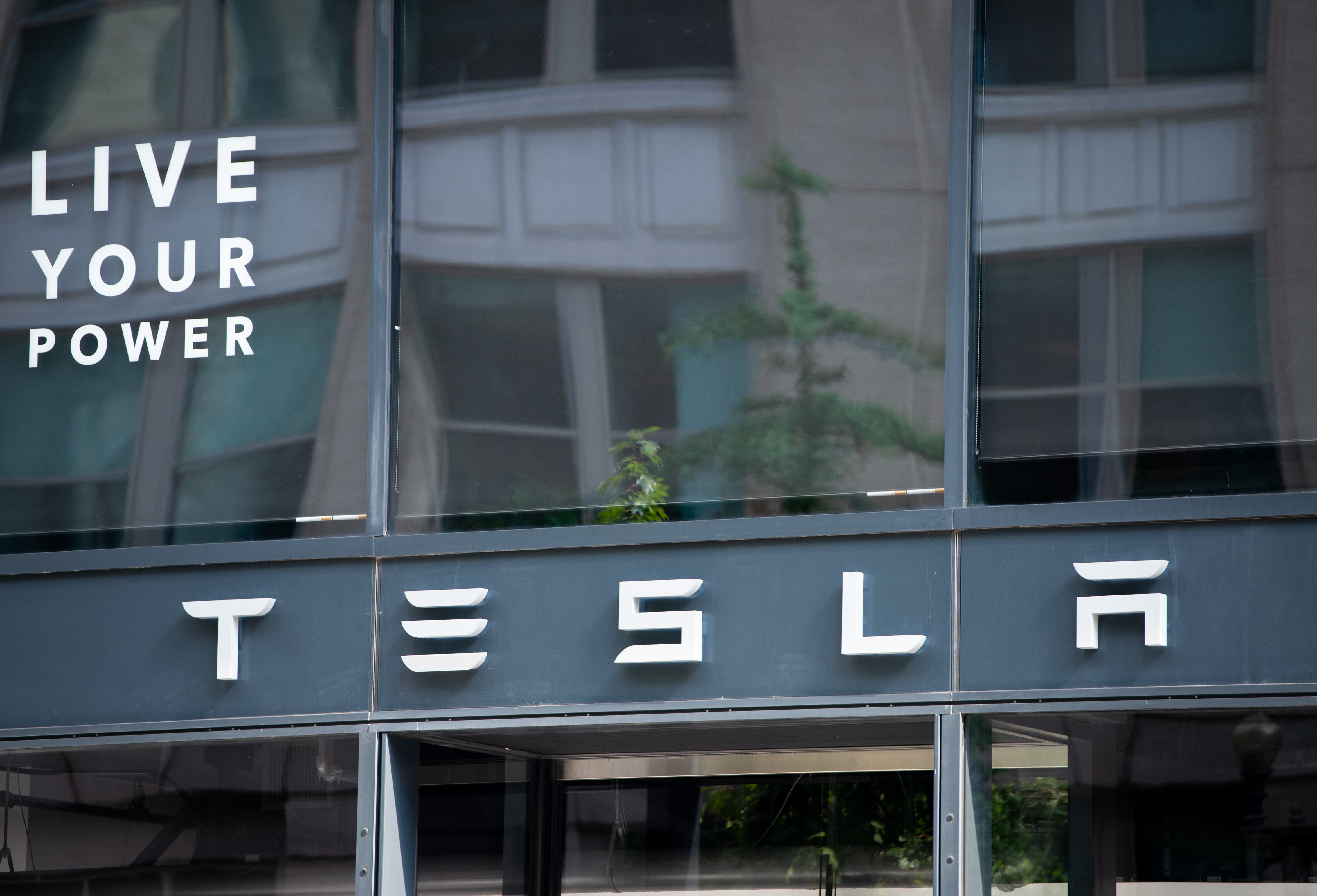 Tesla reports $721 mn in 2020 earnings, first profitable year