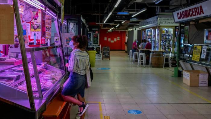 Spain economy shrinks 11% in 2020: statistics institute