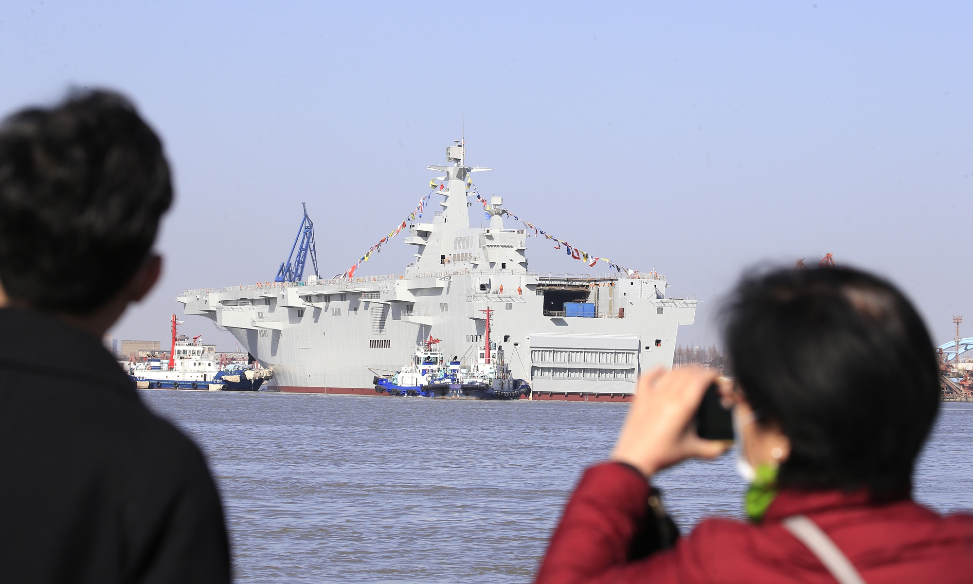 China launches two new warships, one for Pakistan