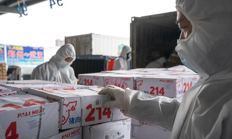 All stevedores at major ports' cold chain facilities have had vaccinations: official