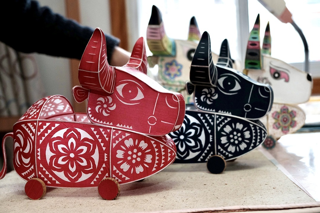 Ox-shaped lanterns welcome Chinese New Year