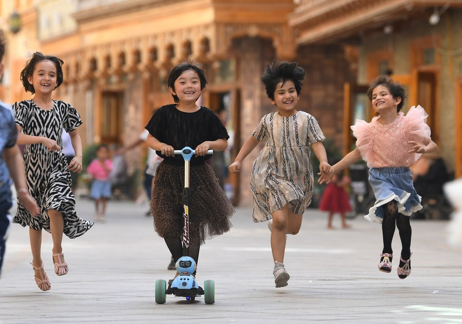 Xinjiang's economy outshines epidemic in 2020