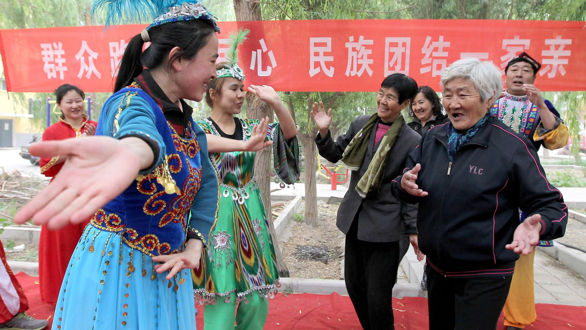 Uygur population in Xinjiang grows steadily