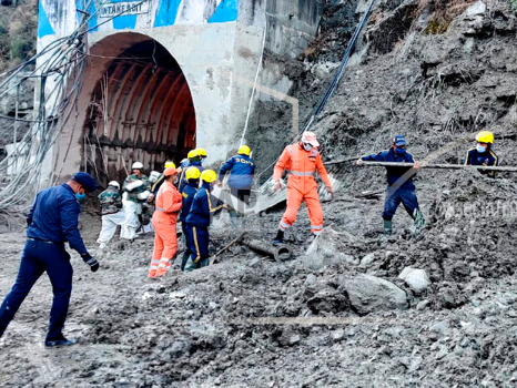 Rescuers in India digging for 37 trapped in glacier flood