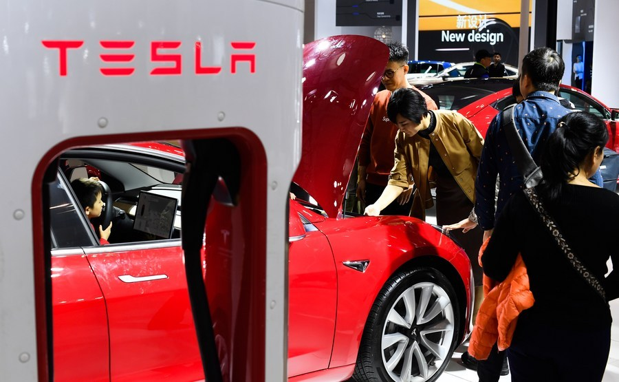 Tesla to reflect on problems after being summoned by regulators