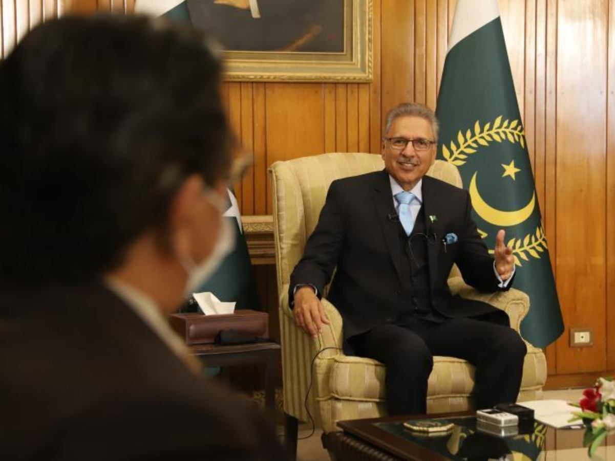 Pakistan-China traditional friendship features people-to-people bonds, says Pakistani president