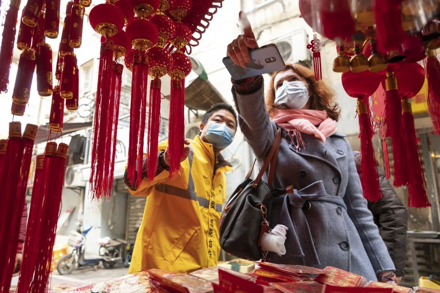 Foreigners celebrate Chinese New Year in post-epidemic Wuhan