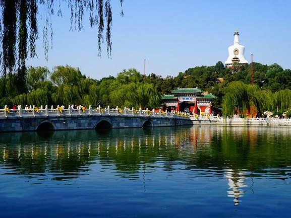 Beijing registers strong recovery in Spring Festival tourist visits