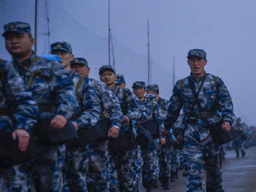 Aviation forces on 10-kilometer training march during Spring Festival