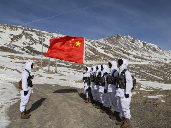 Border soldiers remain at posts during Spring Festival