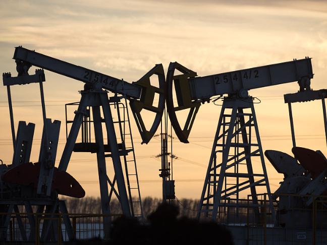 Petrol price in India breaches 100 INR-mark