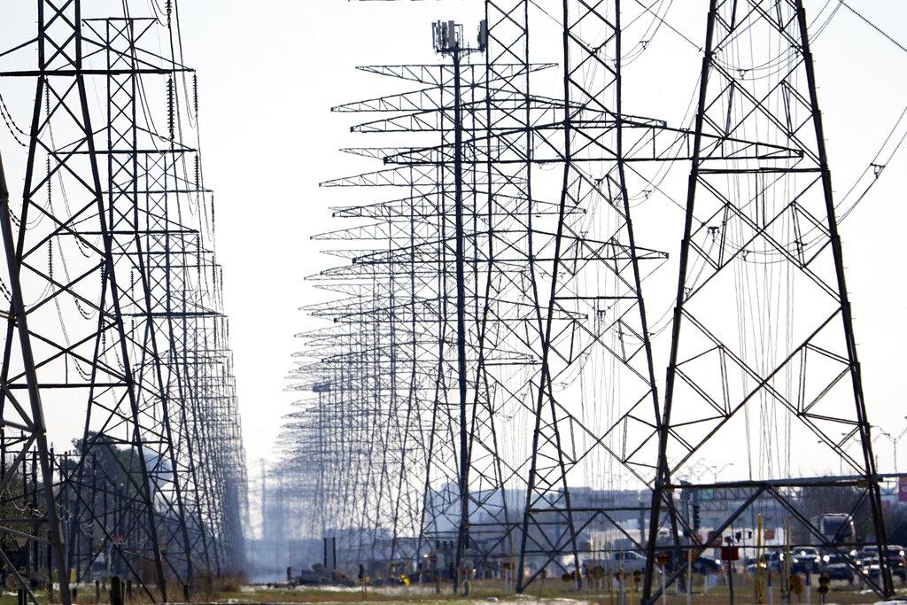 Texas blackouts fuel false claims about renewable energy
