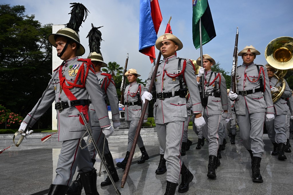 Philippine military chief stresses need to 'stand alone'