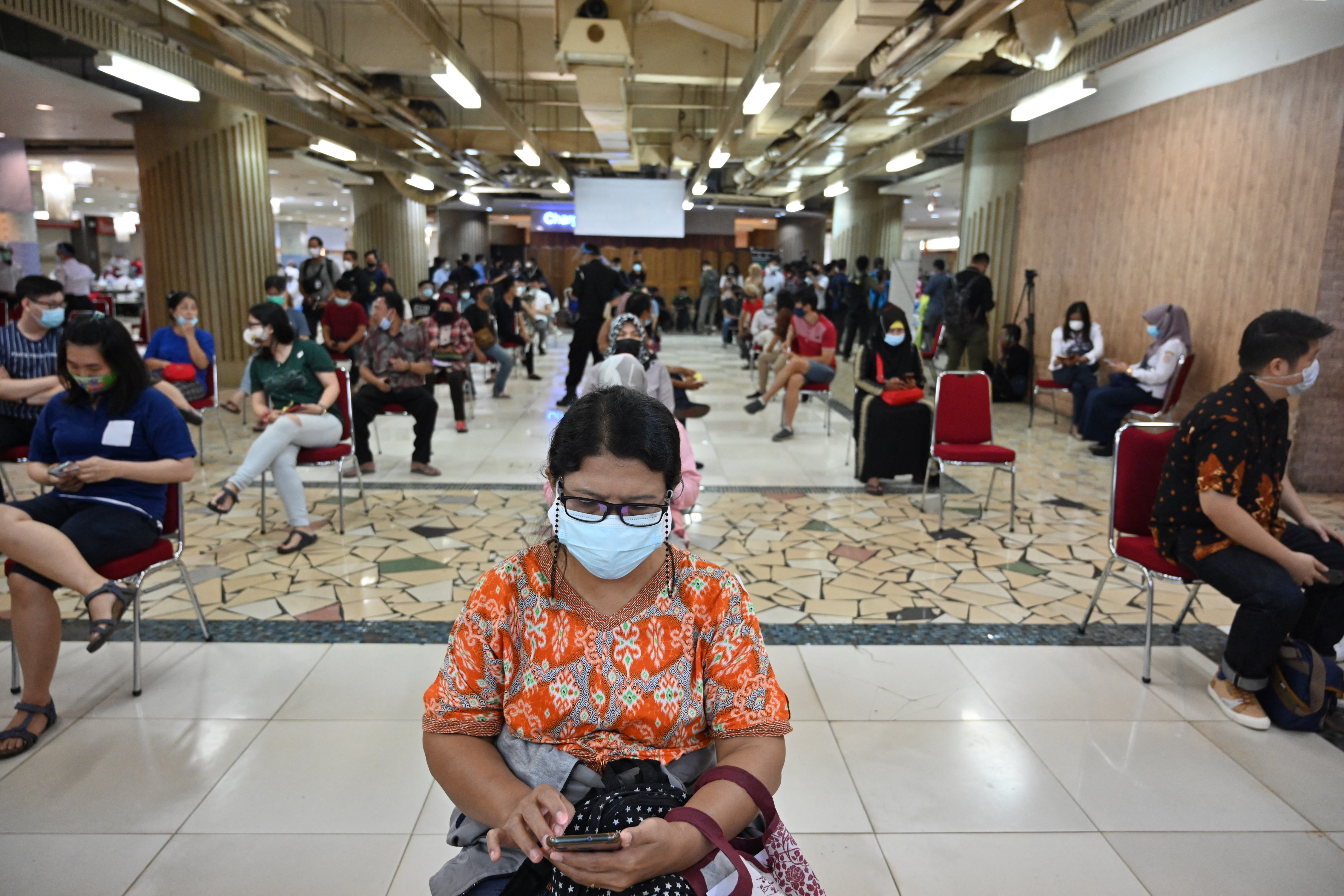 Indonesia kicks off second wave of COVID-19 vaccinations