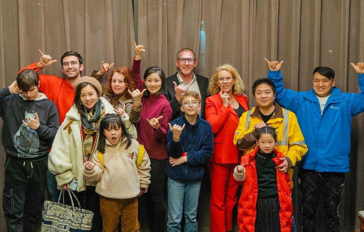 Foreigners, locals enjoy holiday as Wuhan rebounds