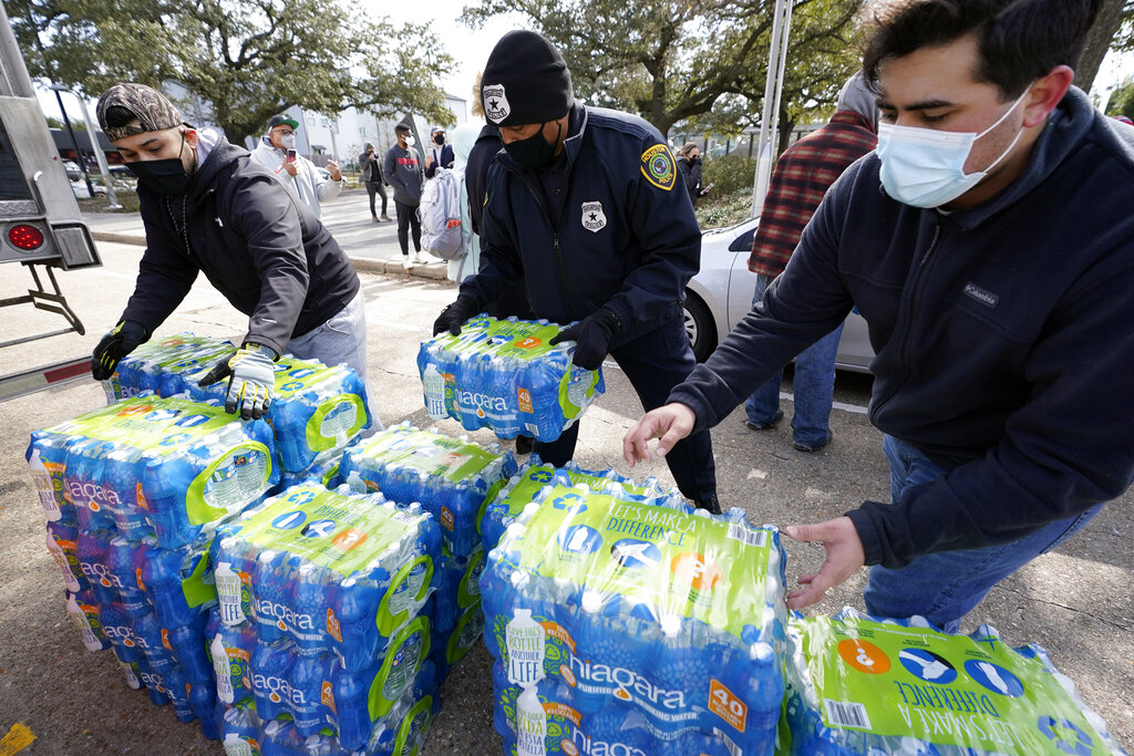 Some electricity restored in Texas, but water woes grow