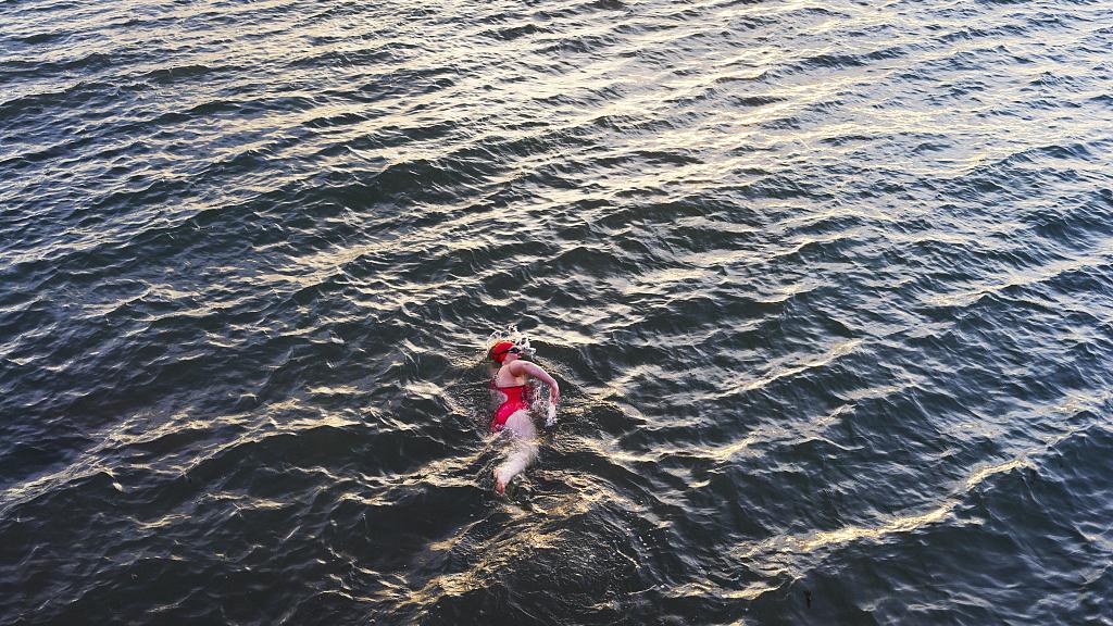 12-year-old autistic girl swims 36 km in Arabian Sea, sets record