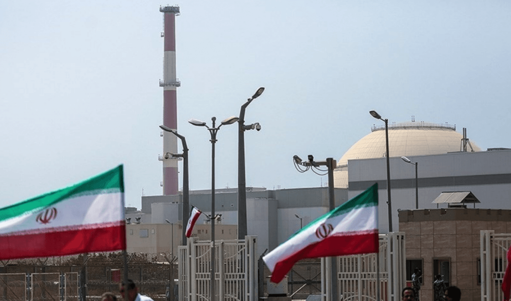 Iran urges US to lift sanctions before joining nuke meeting