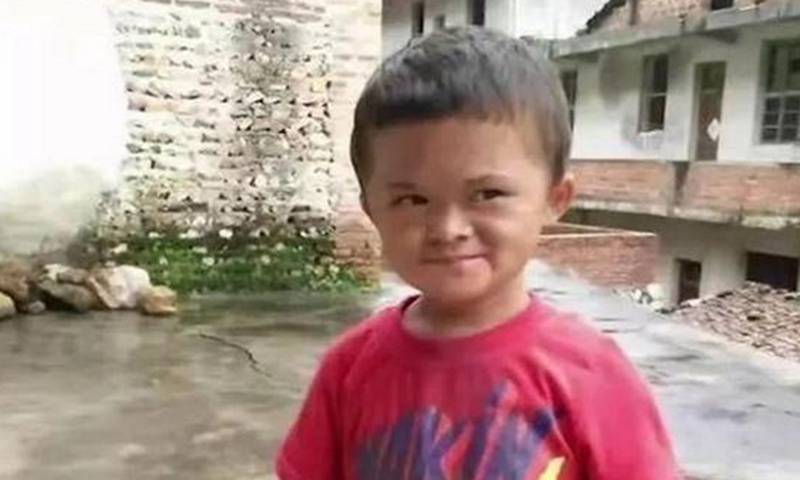 Netizens pity 12-year-old 'mini Jack Ma' who returned home after 'extravagant life'