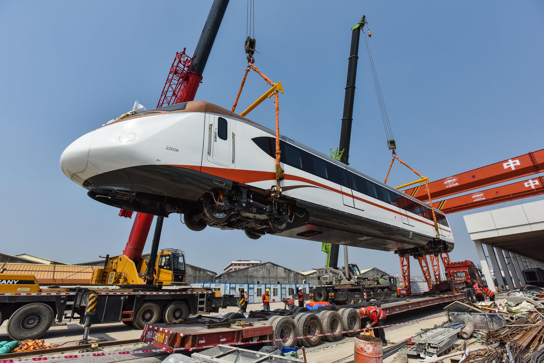 Fast underground train rolls into Guangzhou