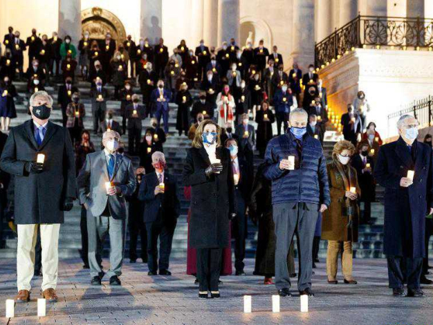 Members of US Congress mourn 500,000 COVID-19 deaths in Washington DC