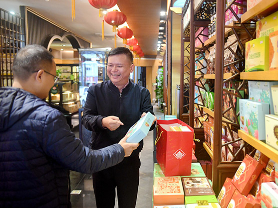 Taiwan compatriots on mainland feel 'at home' during Spring Festival: spokesperson
