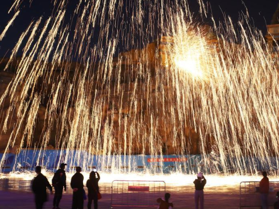 Molten iron fireworks show performed in Nanchang