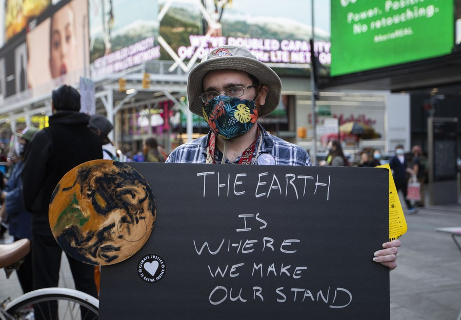 World risks 'collapse of everything' without strong climate action, warns British naturalist