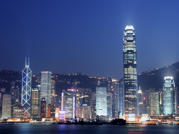 HK leaders back district councilors bill