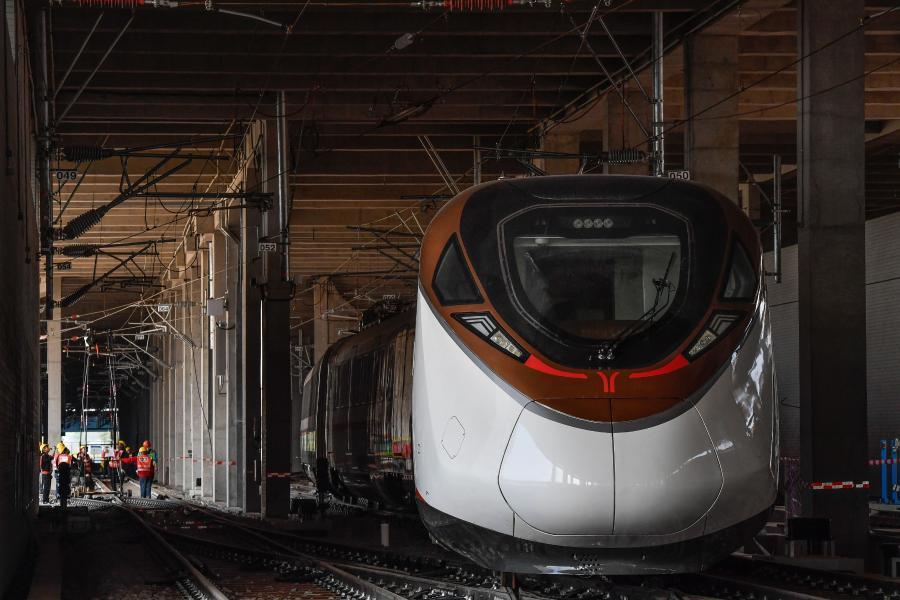 Guangzhou targets transport hub role